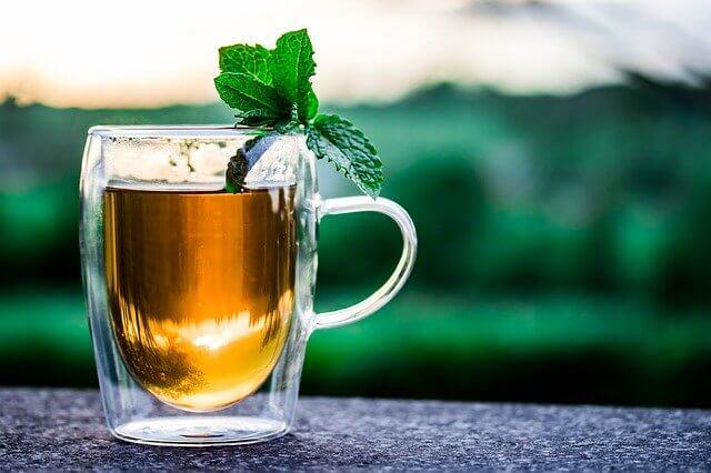 熱中症対策 飲み物 お茶 カフェイン 緑茶 麦茶 スポーツドリンク スポドリ